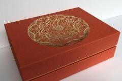 folijavimas-aukso-spalvos-plėvele-ant-faktūrinio-tekstilės